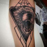 bear-royce-sydney-tattoo